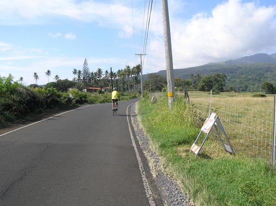 Ekena: cycling near Hamoa Beach