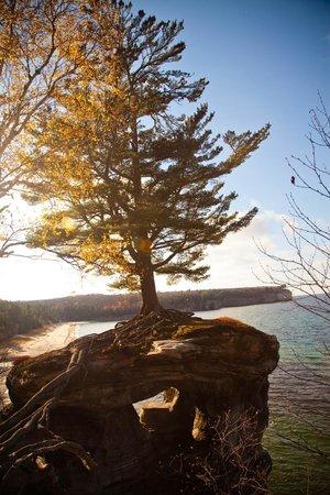 Pictured Rocks National Lakeshore: Chapel rock