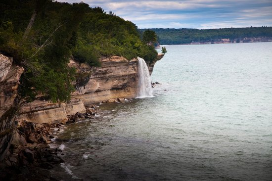 Pictured Rocks National Lakeshore: Spray falls
