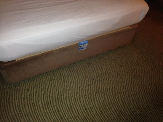 Holiday Inn London-Heathrow M4, Jct. 4: The Bed