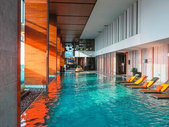 Renaissance Bangkok Ratchaprasong Hotel : Pool