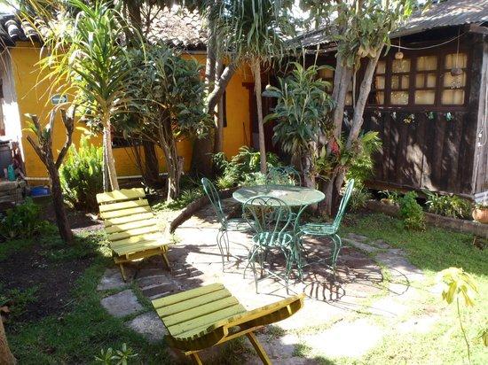 Ganesha Posada: Backyard Patio