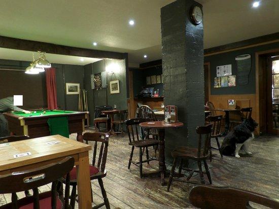Benleva Hotel: pub