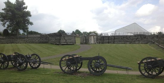 Fort Ligonier: View with cannon