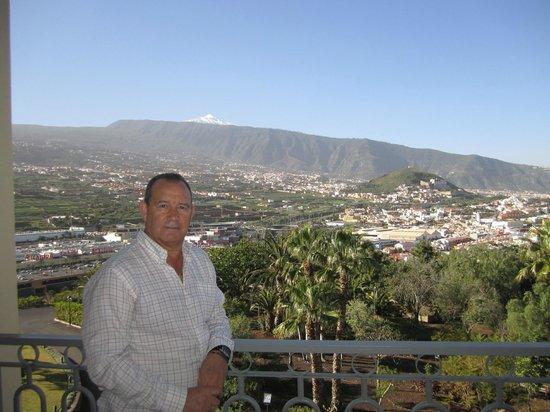 Hotel Las Aguilas: Vista del Teide desde la terraza hab. 438
