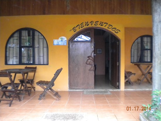 Rio Celeste Backpackers: Entrance