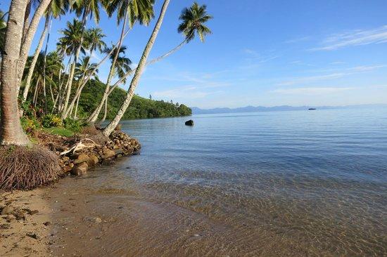 Lalati Resort & Spa: Beach at High Tide