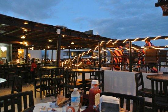 Baja Brewing Company: Rooftop Cantina