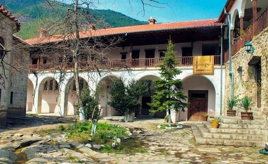 Bachkovo Monastery : Inside the monastery