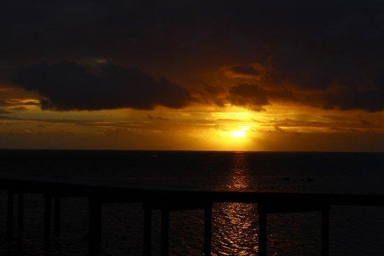 Linareva Moorea Beach Resort : Muelle