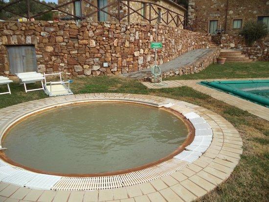 Le 7 Camicie: la piscina termale