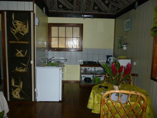 Linareva Moorea Beach Resort : Habitacion