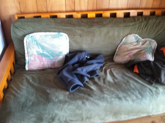 Deerpark / New York City NW KOA: uncomfortable futon. mattress kept sliding