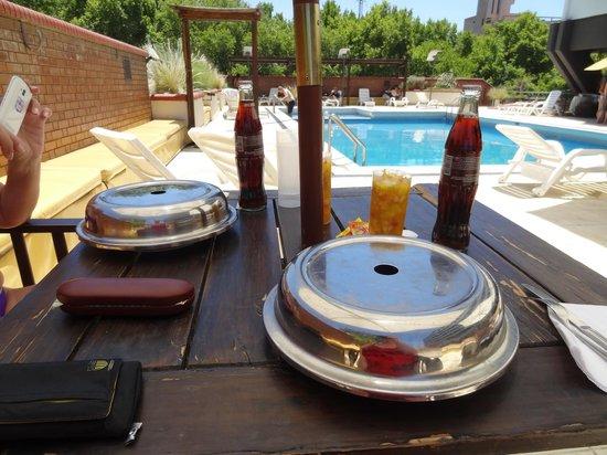 Hotel Aconcagua: Piscina