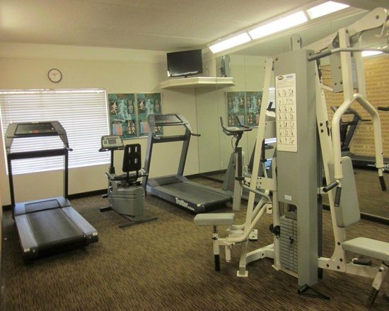 La Quinta Inn & Suites Orlando Airport North: exercise room