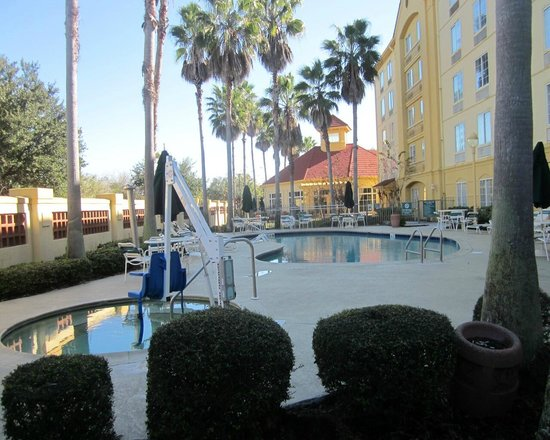 La Quinta Inn & Suites Orlando Airport North : pool