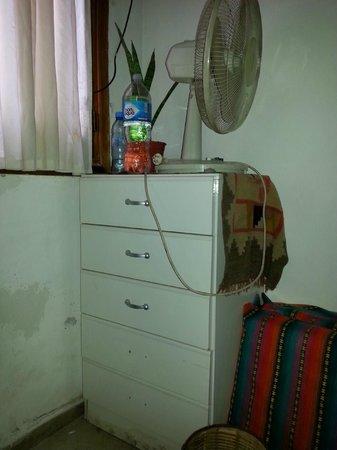 Tango Hostel : Cajonera habitación