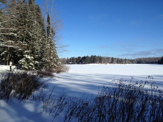 Afterglow Lake Resort: Wonderful skiing on excellently groomed trails.