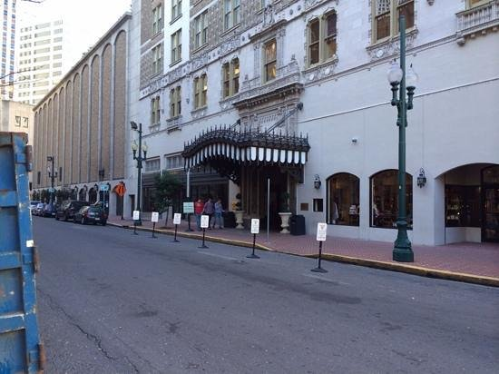 The Roosevelt New Orleans, A Waldorf Astoria Hotel : Back enterance of hotel saves a block of walking in a not so nice block