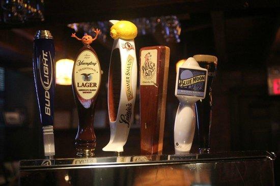 P.R. Nye's Lock Twenty-Seven : Great beer on tap