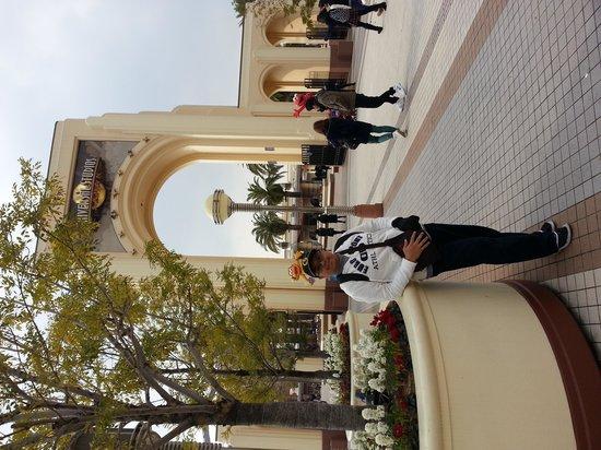 Universal Studios Japan: Infront of USJ gate