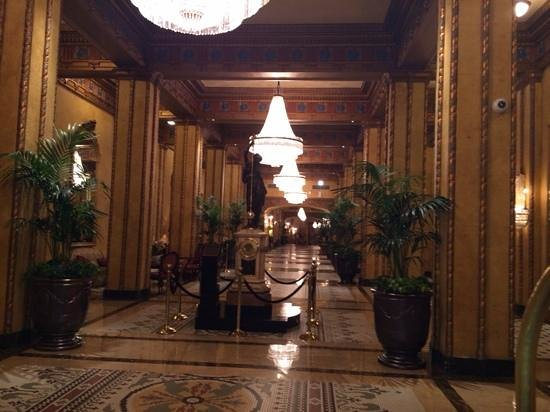 The Roosevelt New Orleans, A Waldorf Astoria Hotel: beautiful Lobby