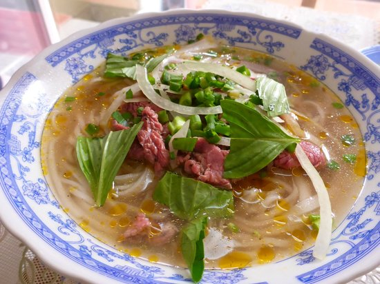 Cat Huy Hotel: Morning Pho - delicious!