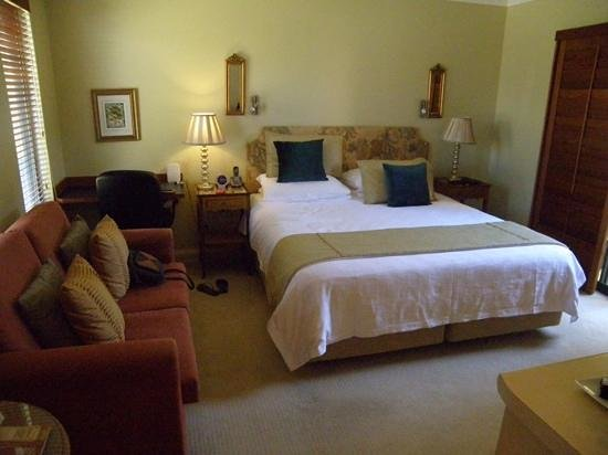 Beach House at Bayside: very comfortable room with courtyard