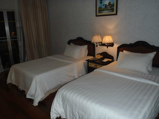 Hotel Somadevi Angkor Resort & Spa: ベッド