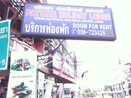 Pattaya Holiday Lodge: outside view
