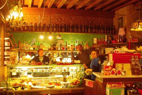 Trattoria Bondi : The friendly staff at the deli counter.