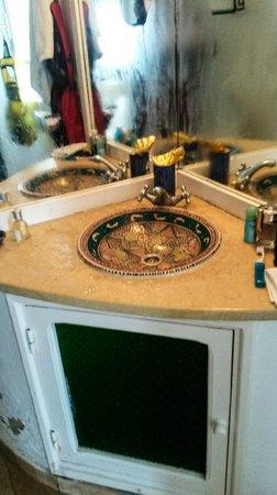 Residence Dar Sidi : Beautiful sink in bathroom