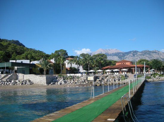 Club Med Kemer: A quick view of the outdoor fitness area & boutiques.