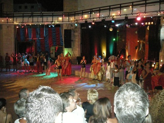 Club Med Kemer : Evening show of the G.Os'