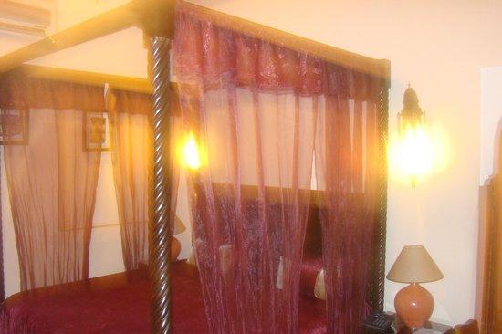 Riad Bahia Salam : foto do quarto de casal