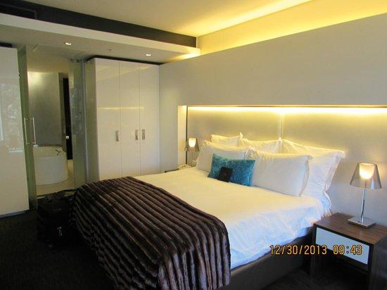 African Pride 15 On Orange Hotel: bedroom
