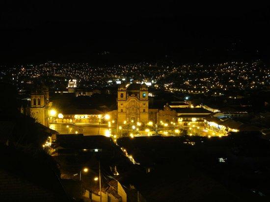 Don Bosco Hotel: Vista a noite.