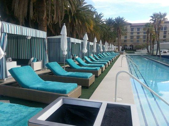 Green Valley Ranch Resort and Spa : Cabanas