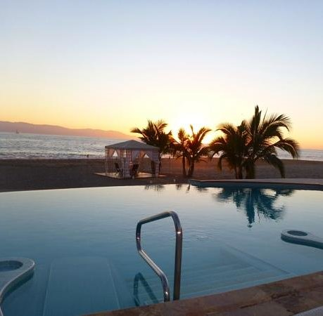 Casa Velas : The Beach Club at Sunset