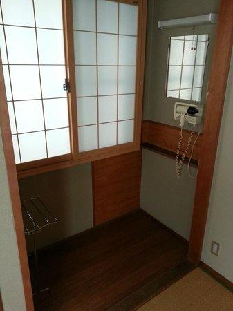 Hiroshima Hana Hostel: Nice floor bed room