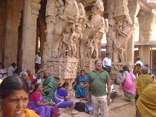 Sri Ranganathaswamy Temple: Temple sculpture-Muralitharan photo