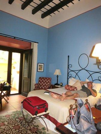 Hotel El Convento: Our queen room