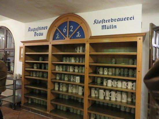 Augustiner Braustubl : Beer mugs