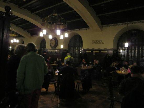 Augustiner Braustubl : Beer hall