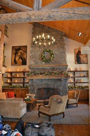 Teton Mountain Lodge & Spa- A Noble House Resort: Inside Lobby