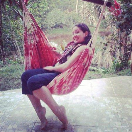 Suchipakari Ecuadorian Jungle Lodge: Área de hamacas para descansar y tiene una vista excelente!!