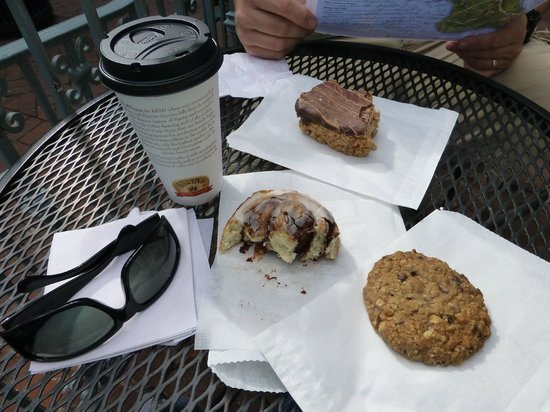 Catalina Coffee & Cookie Co. : They are disappearing fast. Yummy !!