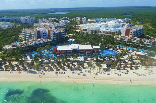 Excellence Playa Mujeres: Para sail view of resort
