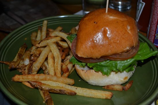 Mangy Moose Restaurant and Saloon : Burger