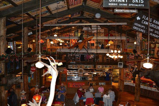 Mangy Moose Restaurant and Saloon : Interior